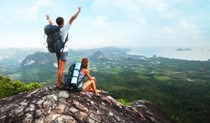 aventura hombre mujer pareja montaña escalar