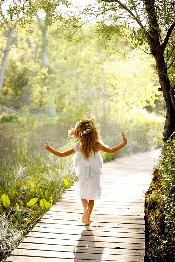 nina-flores-bailando-puente