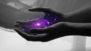 manos luz